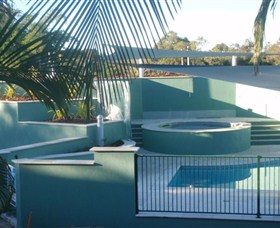 McNevins Logan Park Motel - Sunshine Coast Tourism