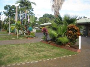 Beachmere Palms Motel - Sunshine Coast Tourism