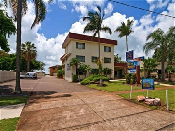 Cleveland Bay Air Motel - Sunshine Coast Tourism