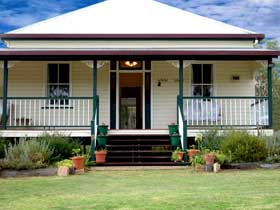 Rovers Rest Guesthouse and Studio Units - Sunshine Coast Tourism