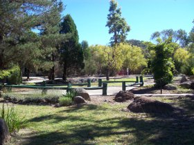 Murray Gardens Cottages and Motel - Sunshine Coast Tourism