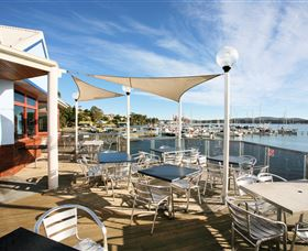 Beauty Point Waterfront Hotel - Sunshine Coast Tourism