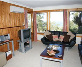 Bed in the Treetops - Sunshine Coast Tourism
