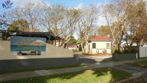 Kickback Cottages - Sunshine Coast Tourism