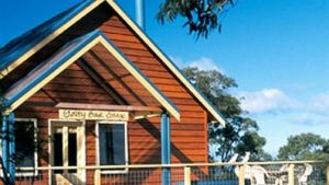Lorne Bush House Cottages  Eco Retreats - Sunshine Coast Tourism