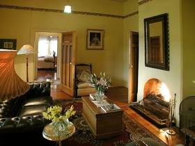 Buxton Manor - Garden and Loft Apartment - Sunshine Coast Tourism