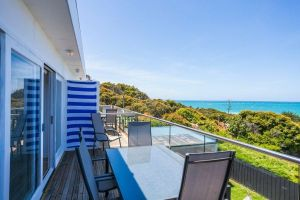 Lorne Beach Accom - Sunshine Coast Tourism