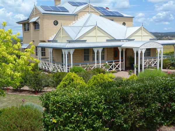 Grovely House Bed and Breakfast - Sunshine Coast Tourism