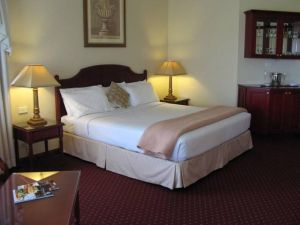Camden Valley Inn  Country Lodge - Sunshine Coast Tourism