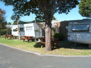 Lakes Haven Caravan Park - Sunshine Coast Tourism