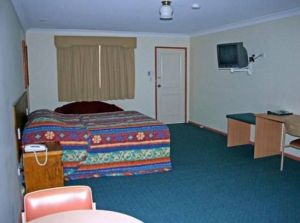 Overlander Motor Lodge - Sunshine Coast Tourism
