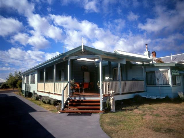 Pitstop Lodge Guesthouse and BB - Sunshine Coast Tourism