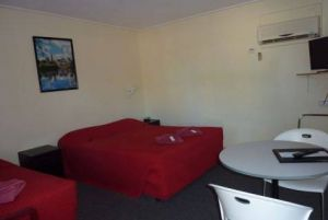 Red Chief Motel - Sunshine Coast Tourism