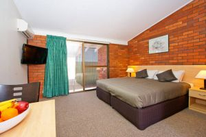 Plains Motor Inn - Sunshine Coast Tourism