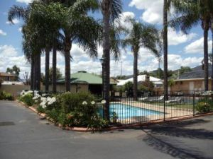 Town  Country Motor Inn Tamworth - Sunshine Coast Tourism