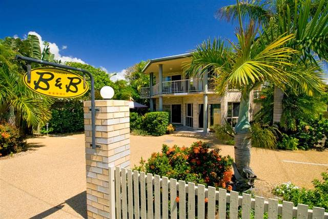 While Away Bed  Breakfast - Sunshine Coast Tourism