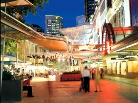 Queen Street Mall - Sunshine Coast Tourism