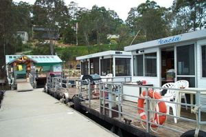 Clyde River Houseboats - Sunshine Coast Tourism
