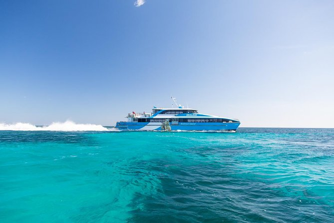 Fremantle to Rottnest Island Roundtrip Ferry Ticket