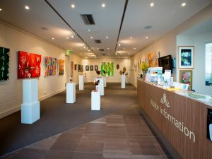 Australian National Botanic Gardens Visitor Centre Gallery - Sunshine Coast Tourism