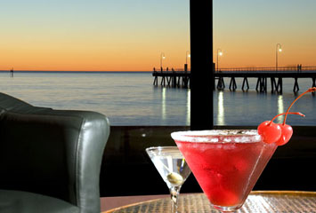 Horizons Cocktail Lounge - Sunshine Coast Tourism