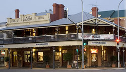 Coopers Alehouse at the Earl - Sunshine Coast Tourism