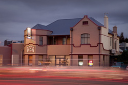 Cross Keys Hotel - Sunshine Coast Tourism