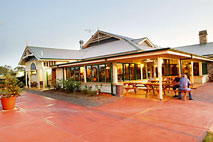 Potters Hotel and Brewery - Sunshine Coast Tourism