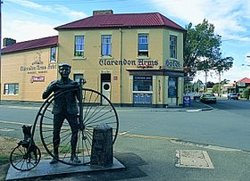 Clarendon Arms Hotel - Sunshine Coast Tourism