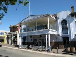 Mount Pleasant Hotel - Sunshine Coast Tourism
