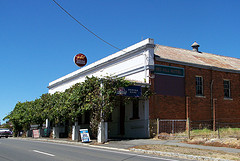 Red Hill Hotel - Sunshine Coast Tourism