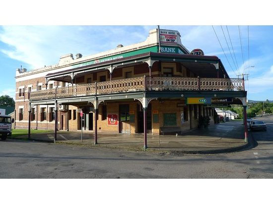 Bank Hotel Dungog - Sunshine Coast Tourism