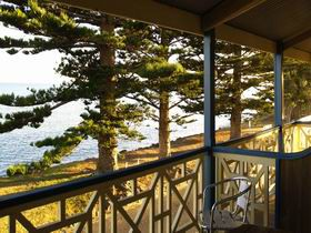 Robe Hotel - Sunshine Coast Tourism