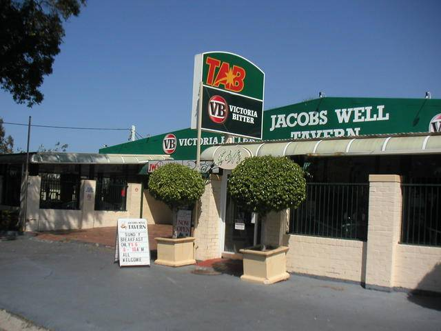 Jacobs Well Bayside Tavern - Sunshine Coast Tourism