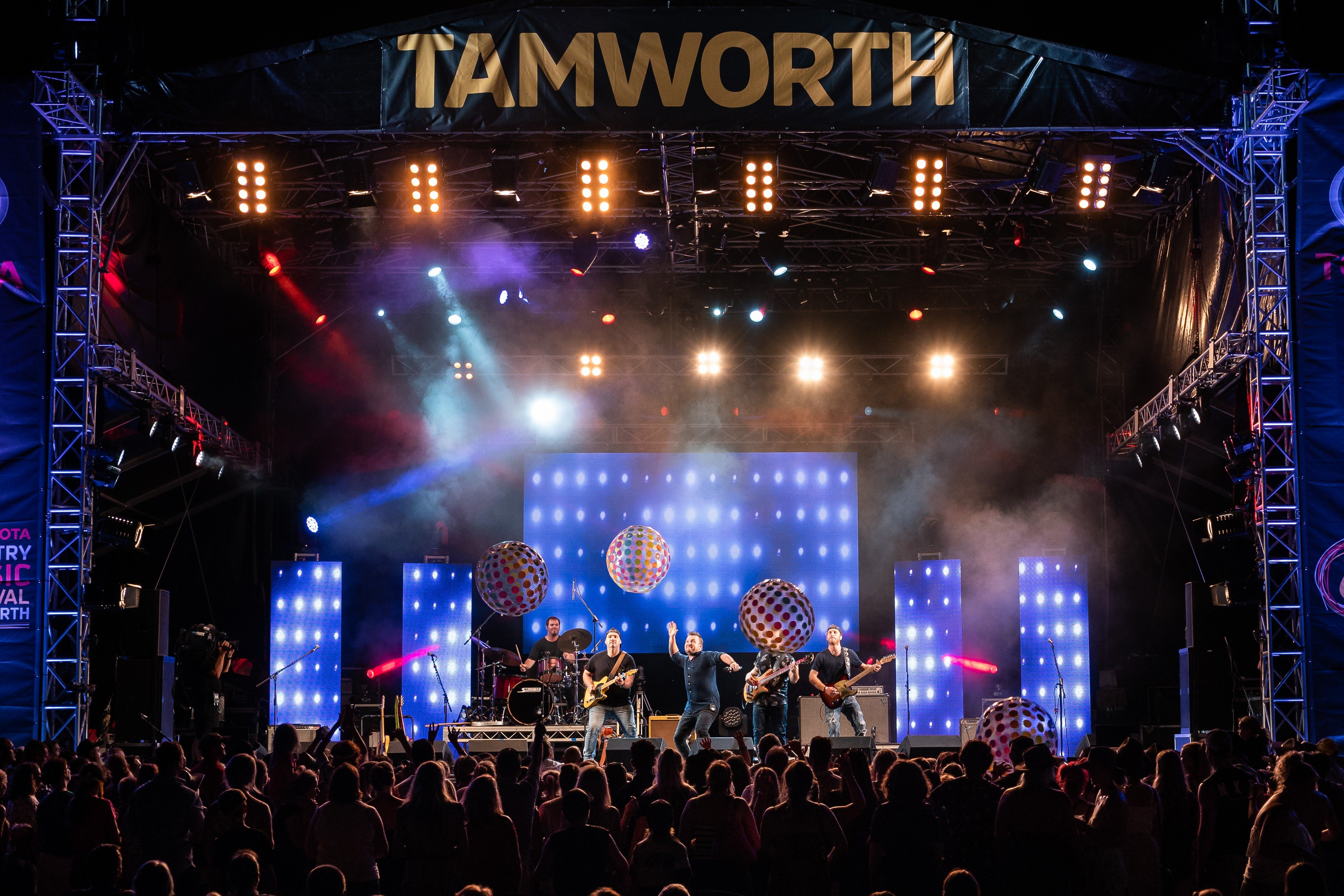 Toyota Country Music Festival Tamworth - Sunshine Coast Tourism