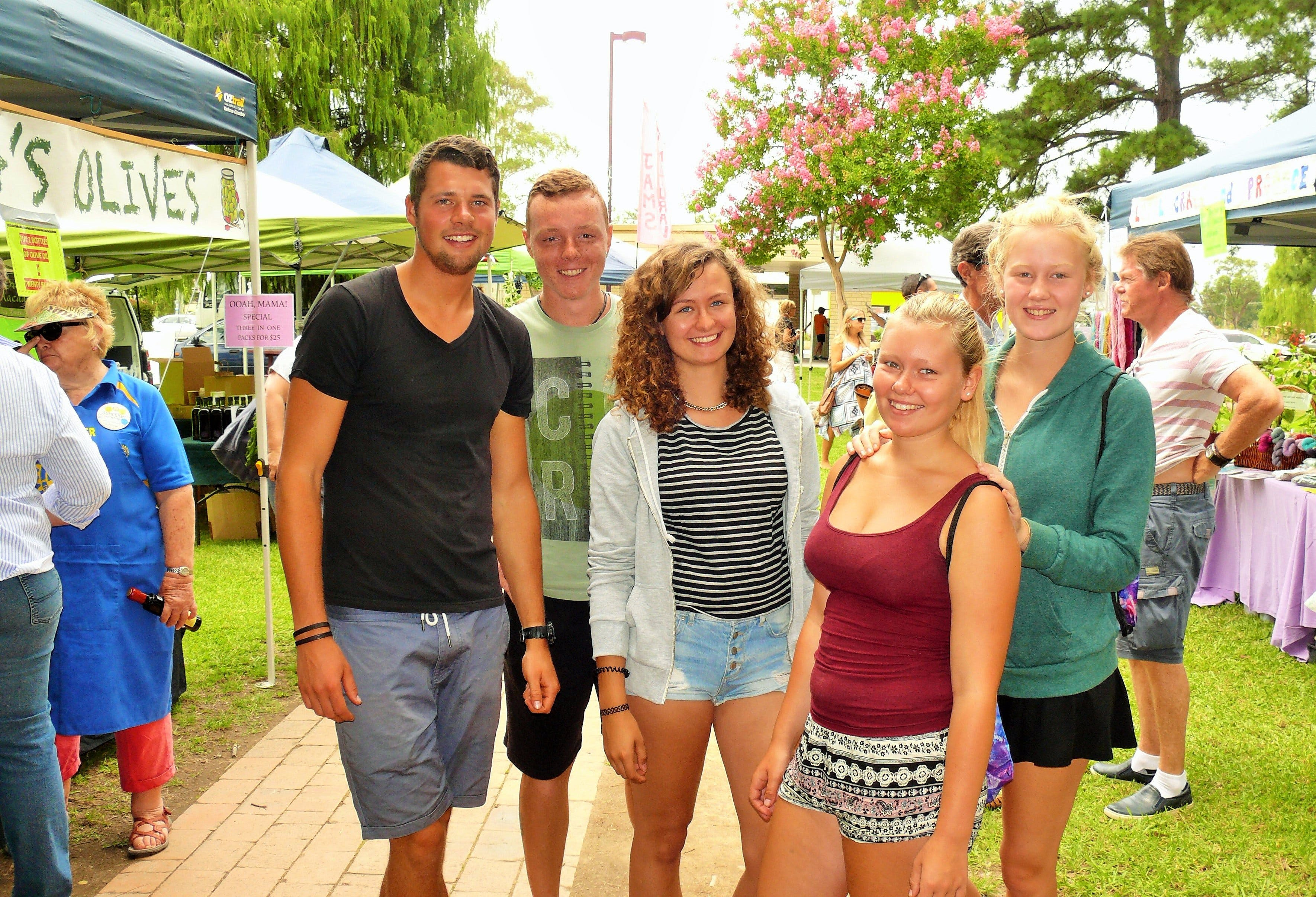Gloucester Farmers Market - Sunshine Coast Tourism