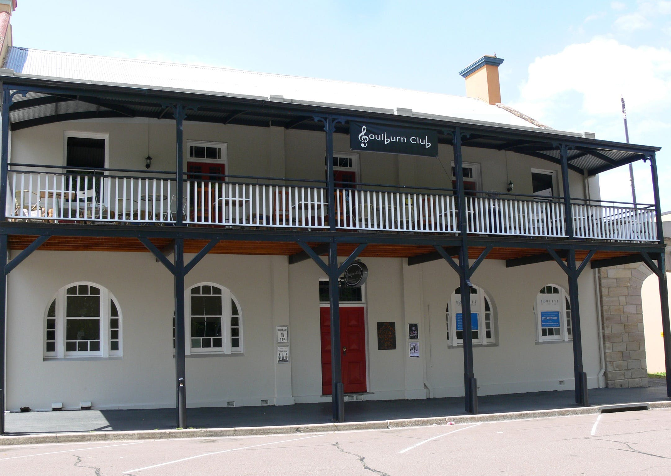 Open Mic Night at the Goulburn Club - Sunshine Coast Tourism