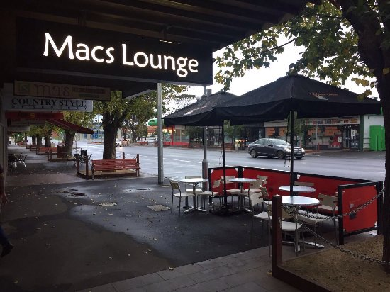 Macs Lounge - Sunshine Coast Tourism