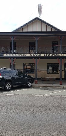 Country Club Hotel - Sunshine Coast Tourism