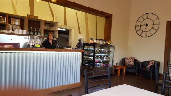 Essence Coffee Lounge - Sunshine Coast Tourism