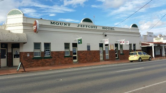 Mount Jeffcott Hotel - Sunshine Coast Tourism