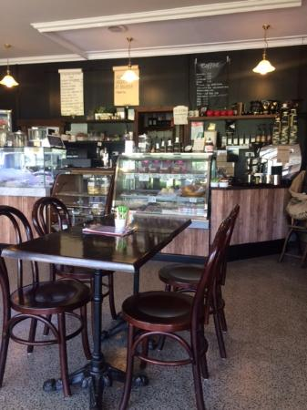 R  T's Bake and Brew - Sunshine Coast Tourism