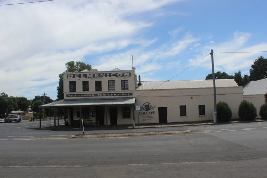 The Guildford Family Hotel - Sunshine Coast Tourism