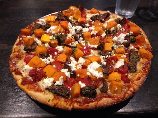 Warrimoo Woodfire Pizza - Sunshine Coast Tourism