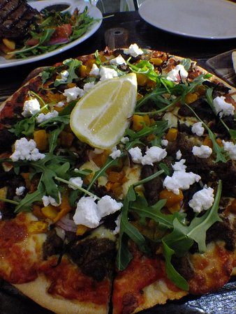 Harriman's Pizza Pasta and Grill - Sunshine Coast Tourism