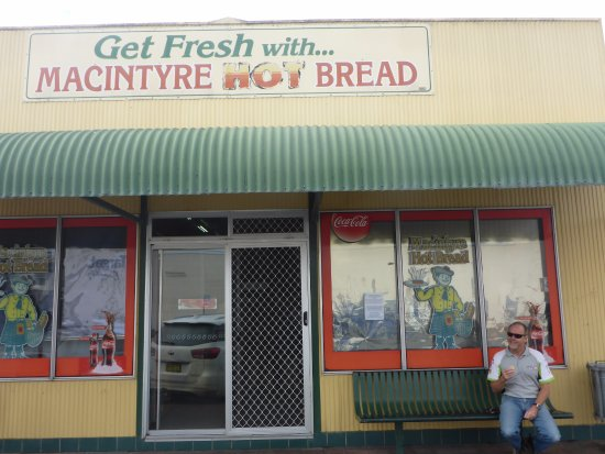 MacIntyre Hot Bread Shop - Sunshine Coast Tourism