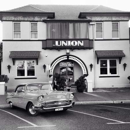 The Union Bar Inverell - Sunshine Coast Tourism