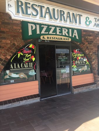 Anna  Sam Pizzeria Restaurant - Sunshine Coast Tourism