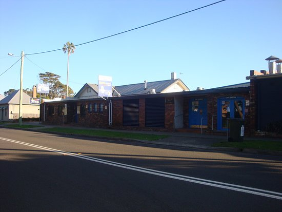 Greenwell Point Hotel - The Bistro and Pizza Bar - Sunshine Coast Tourism