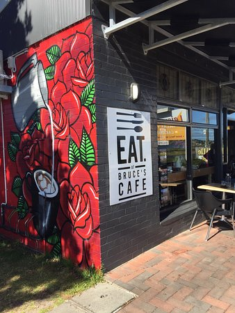 Bruce's Cafe - Sunshine Coast Tourism